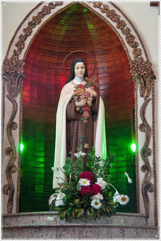Santa Teresinha do Menino Jesus, nossa Padroeira das vocações!