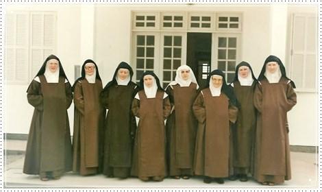 Comunidade fundadora do Carmelo Cristo Redentor (SC)