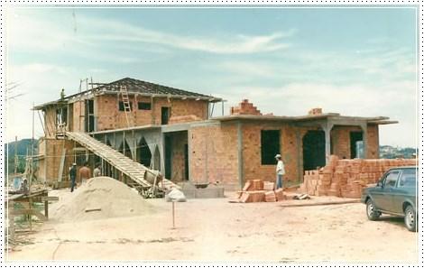 Início da construção do Carmelo Cristo Redentor (SC)